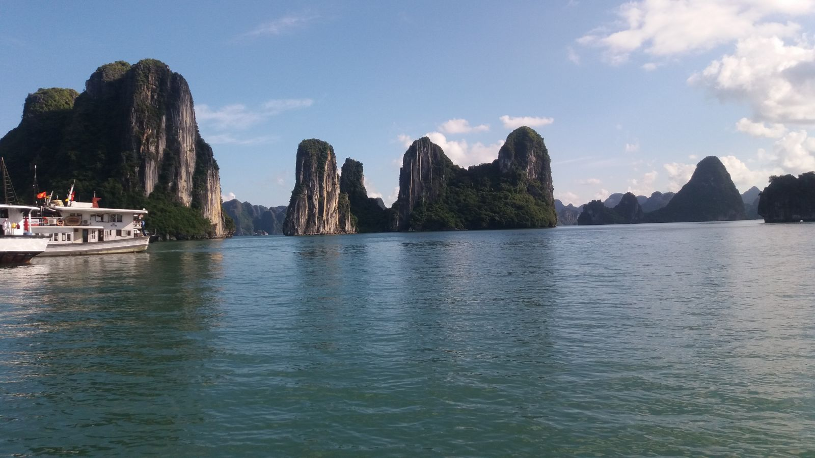 Hanoi tour package to Halong bay