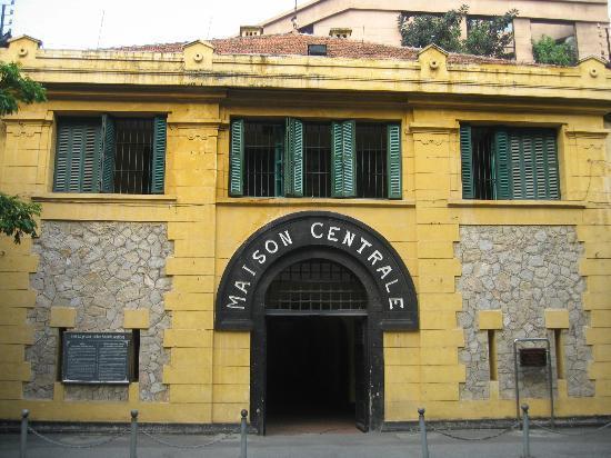 Hanoi Travel Guide-Hoa Lo Prison1