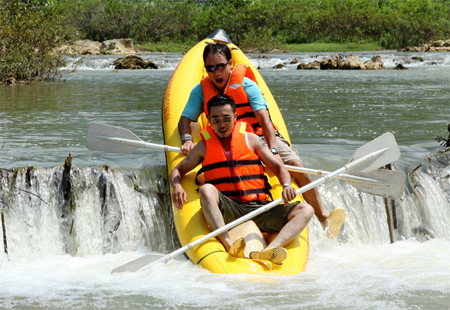 Pu Luong nature reserve kayaking