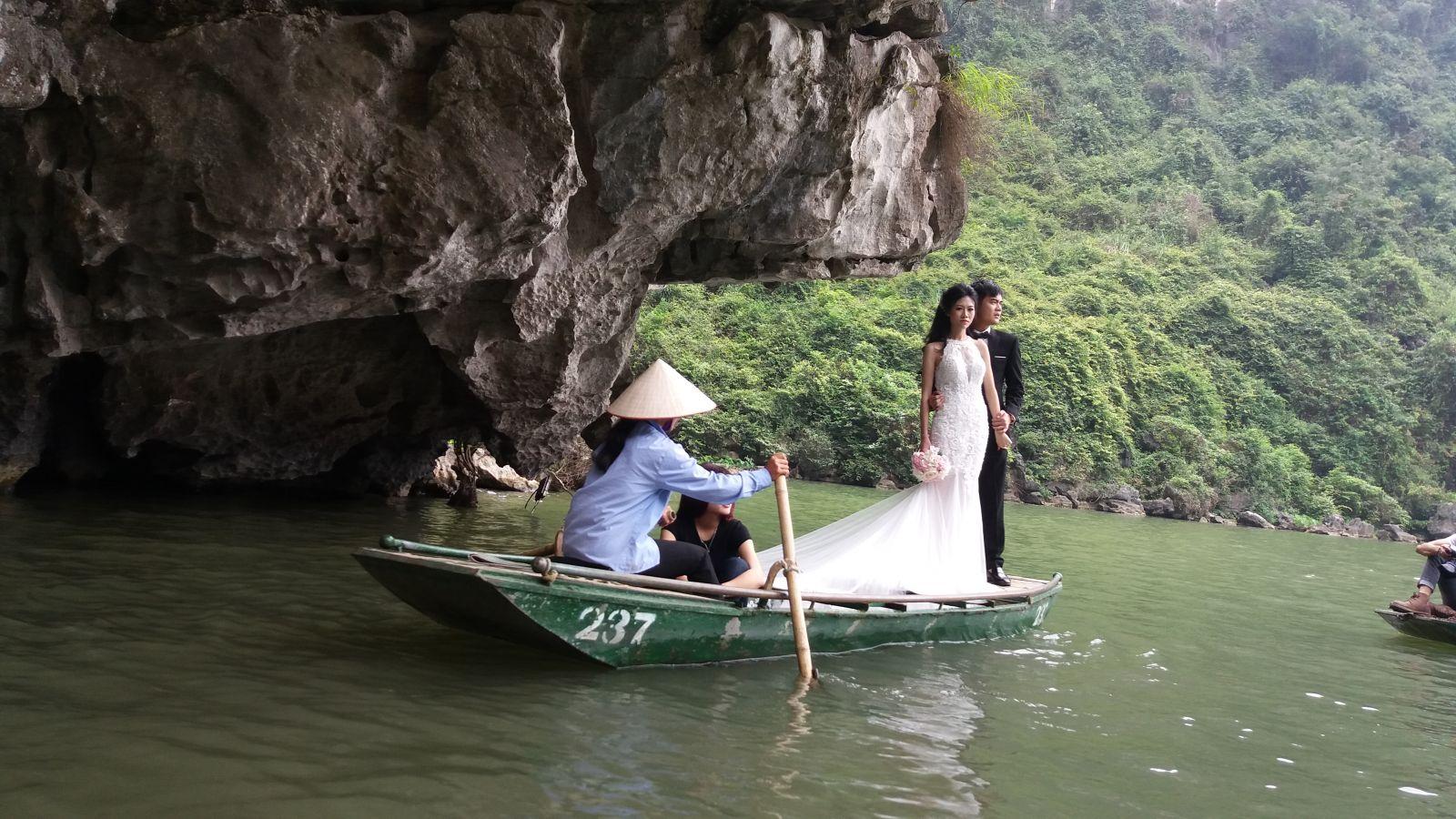 Ninh Binh boat tour- Trang An