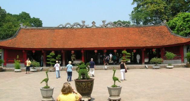 Hanoi Travel Guide-Temple of Literature1